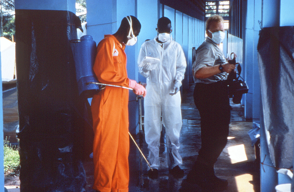 PHIL disinfection Ebola outbreak 1995.jpg